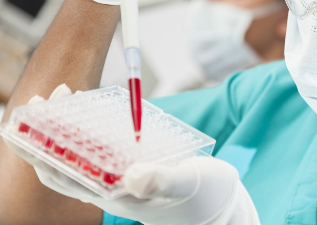 an analysis of popular researches on aids vaccine in the us New york (ap) — a leading aids researcher was picked wednesday to run the centers for disease control and prevention, the.